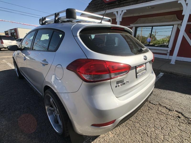 Kia Forte5 2017 price $12,995