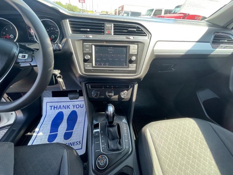 Volkswagen Tiguan 2019 price $25,995
