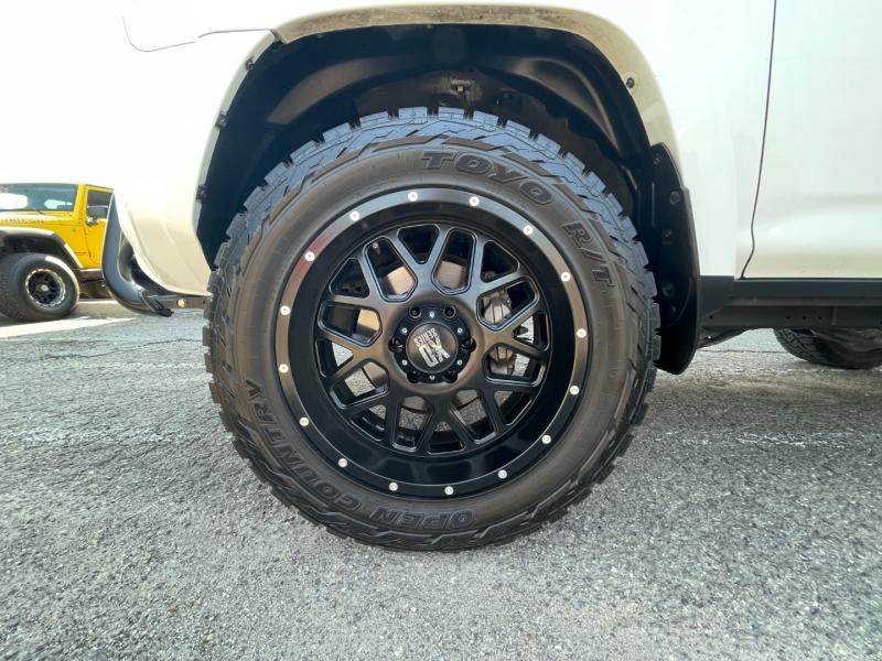 Toyota 4Runner 2017 price $37,995