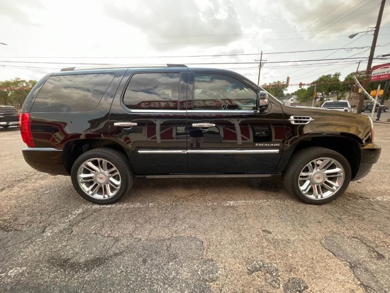 Cadillac Escalade 2014 price $32,995
