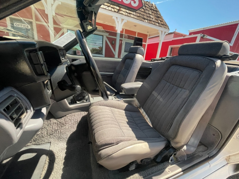 Ford Mustang 1993 price $10,995