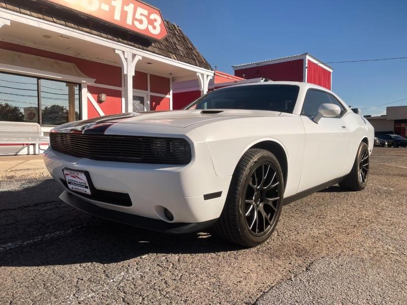 Dodge Challenger 2010 price $13,995