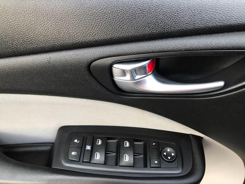 Dodge Dart 2015 price $9,999