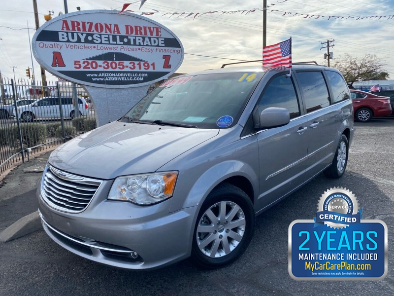 Chrysler Town and Country 2014 price $10,999