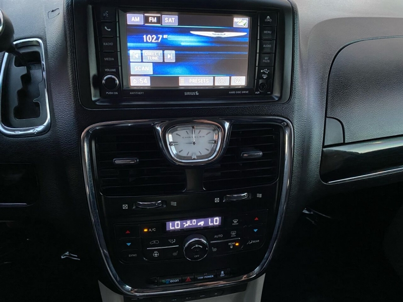 Chrysler Town and Country 2015 price $14,999