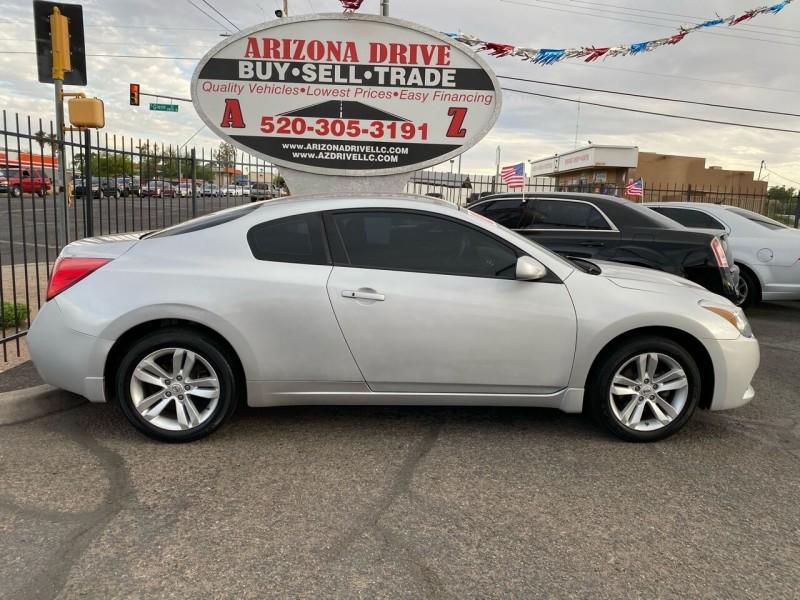 Nissan Altima 2012 price $8,999