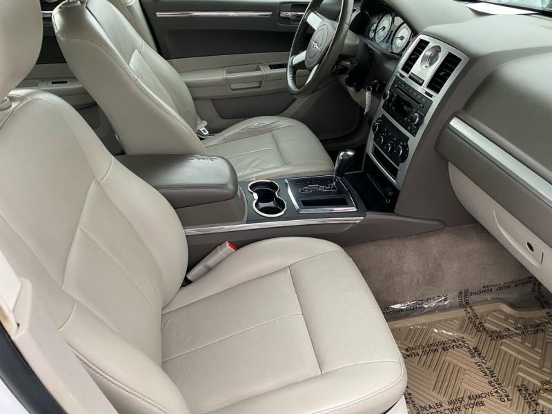 Chrysler 300 2010 price $7,999