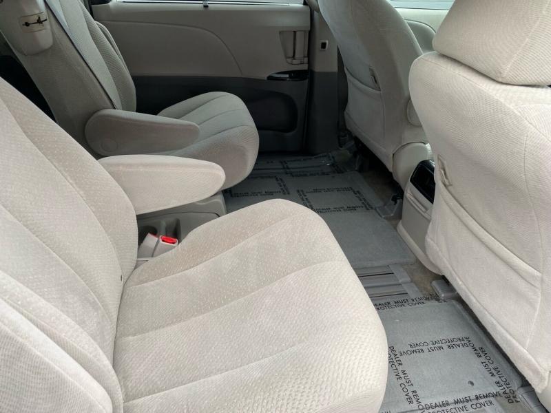 Toyota Sienna 2011 price $14,999