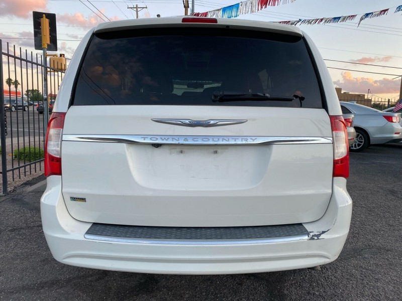Chrysler Town and Country 2013 price $9,999
