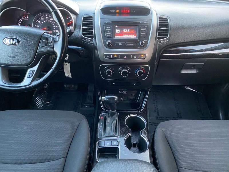 Kia Sorento 2015 price $13,999
