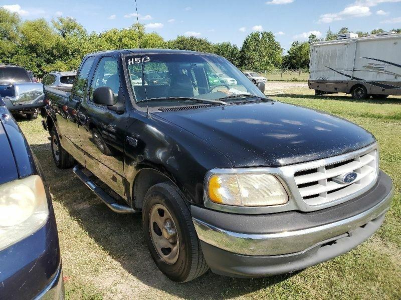 Ford F-150 1999 price $2,600 Cash