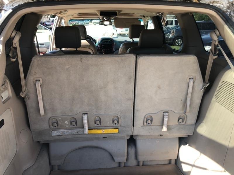Toyota Sienna 2004 price $3,900 Cash