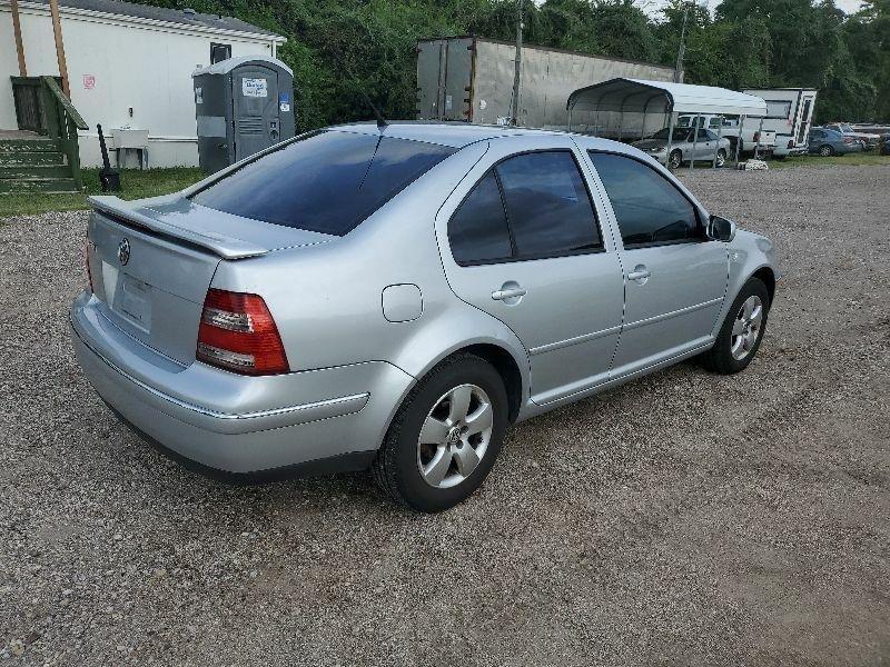 Volkswagen Jetta 2004 price $2,400 Cash