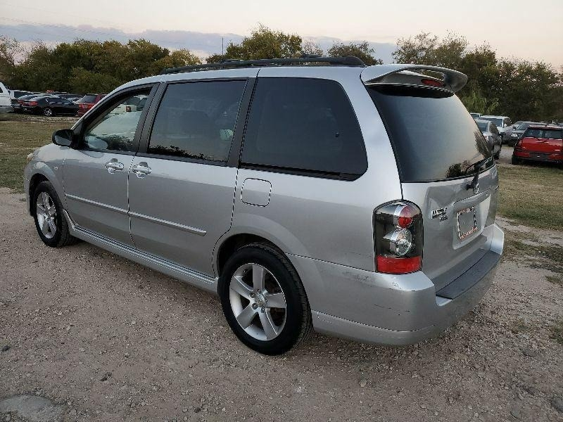 Mazda MPV 2006 price $2,000 Cash
