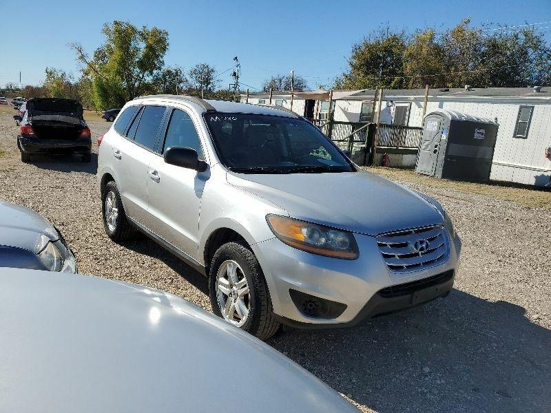 Hyundai Santa Fe 2011 price $4,500 Cash