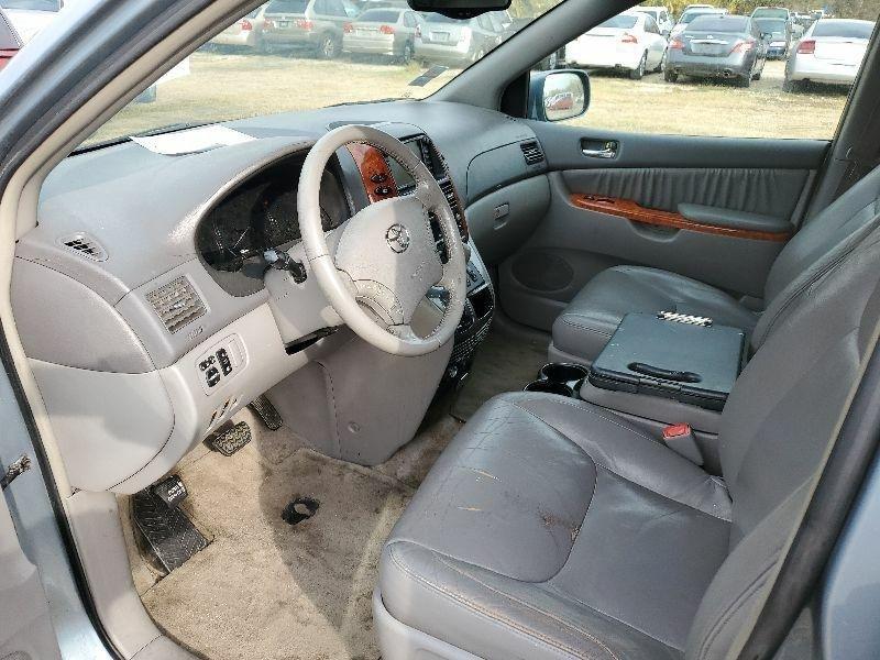 Toyota Sienna 2006 price $3,900 Cash