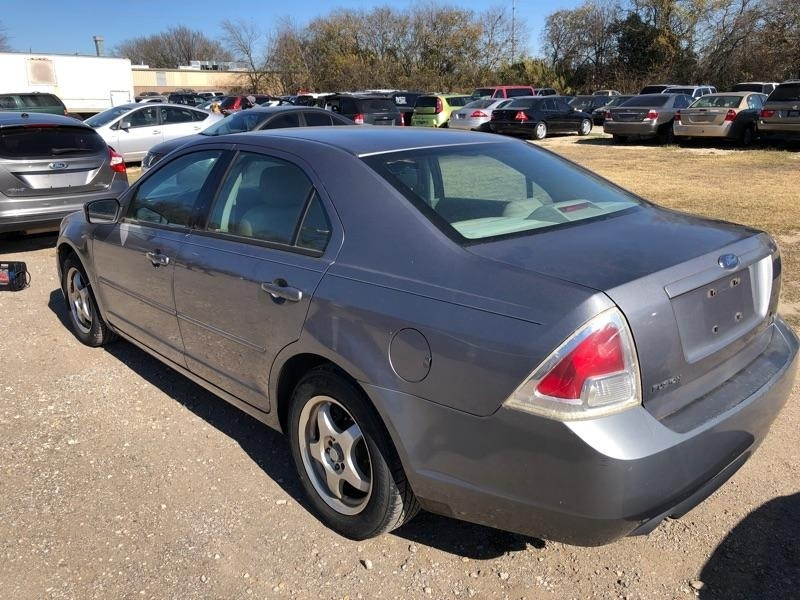 Ford Fusion 2006 price $3,400 Cash