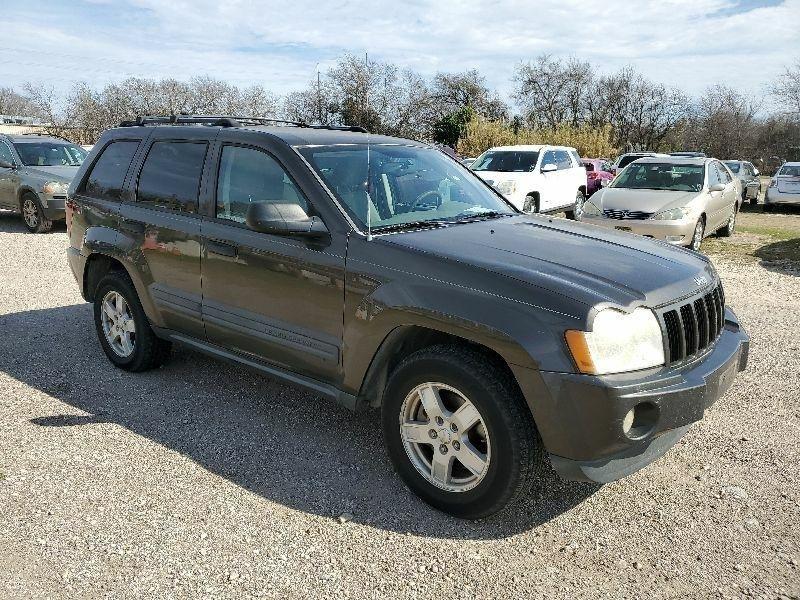 Jeep Grand Cherokee 2005 price $3,500 Cash