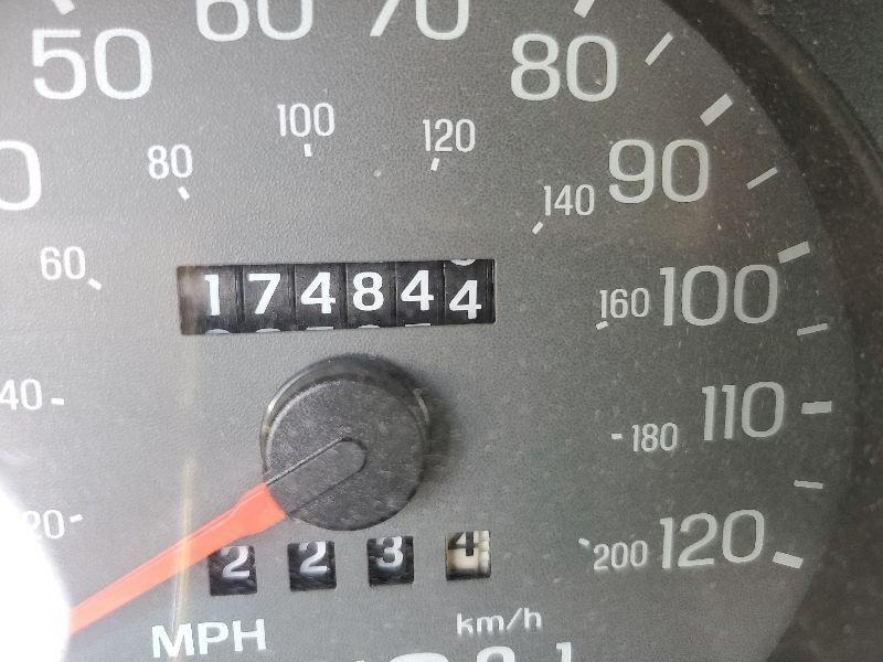 Mercury Grand Marquis 2004 price $2,900 Cash