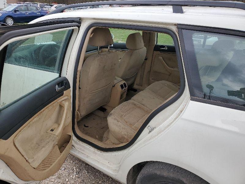 Volkswagen Jetta Wagon 2009 price $1,900 Cash