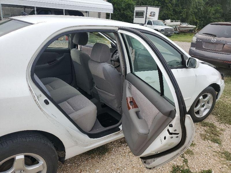 Toyota Corolla 2006 price $1,800 Cash