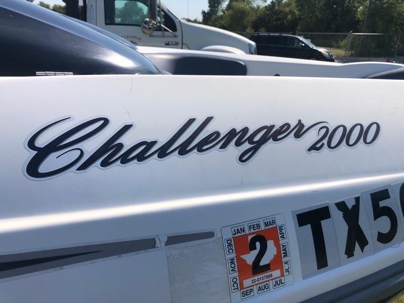 Bombadier Challenger 2000 2001 price $3,000 Cash