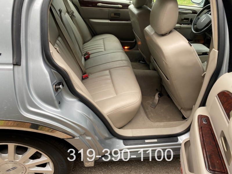 Lincoln Town Car 2006 price $5,500