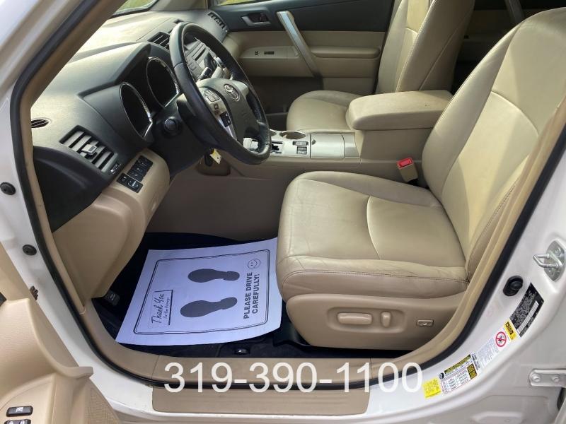 Toyota Highlander 2012 price $9,950