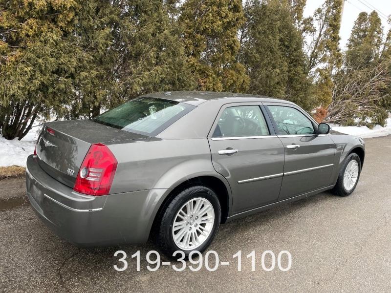 Chrysler 300 2010 price $7,500