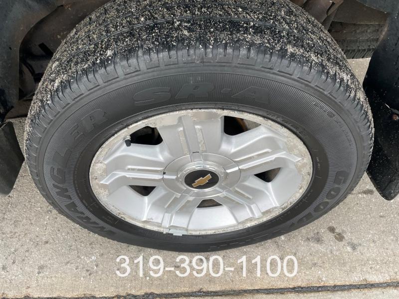 Chevrolet Suburban 2005 price $7,950