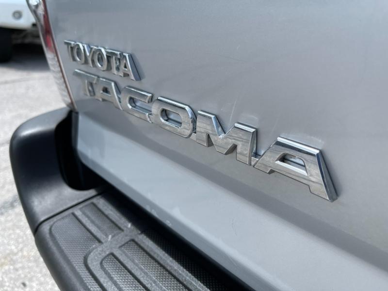 Toyota Tacoma 2011 price $17,999