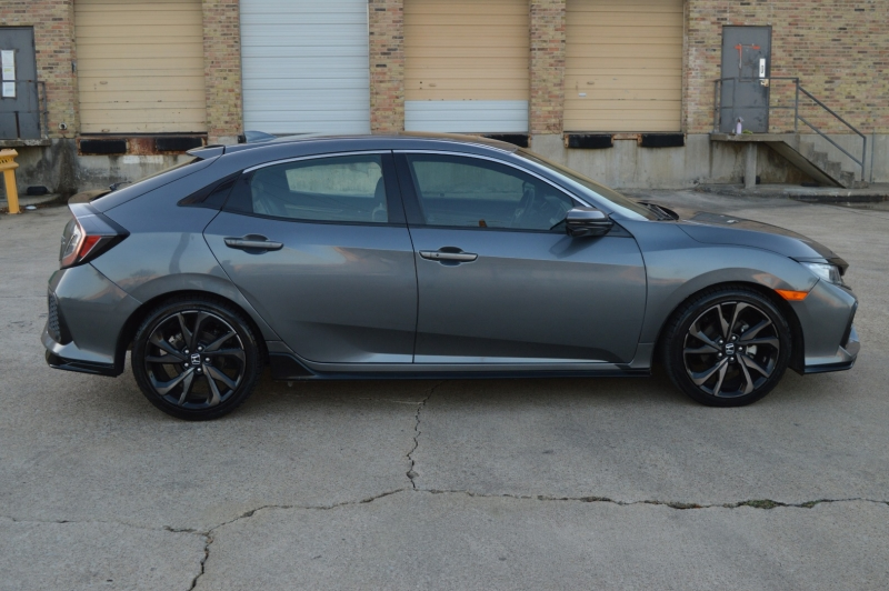 Honda Civic Hatchback 2017 price $15,999