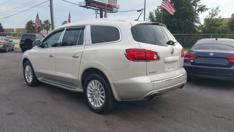 Buick Enclave 2011 price $9,500
