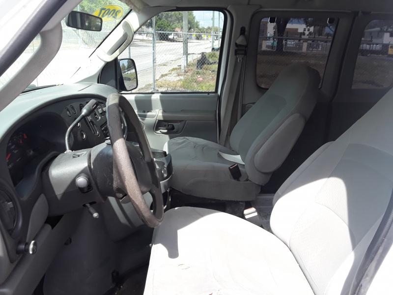 Ford Econoline Wagon 2007 price $5,500