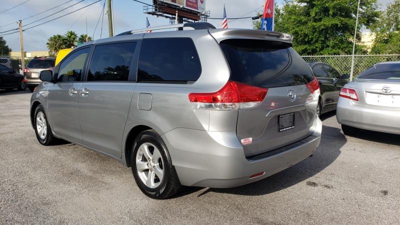 Toyota Sienna 2013 price $14,500