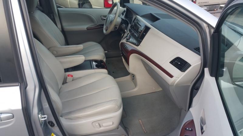 Toyota Sienna 2012 price $12,500