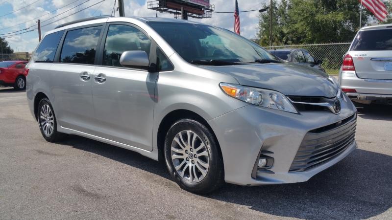 Toyota Sienna 2018 price $23,550