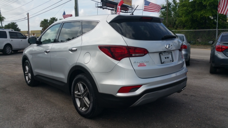 Hyundai Santa Fe Sport 2018 price $18,700