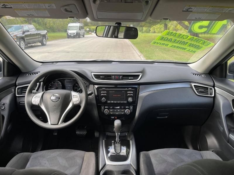Nissan Rogue 2015 price $13,995