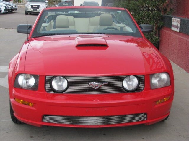 Ford Mustang 2007 price $10,795