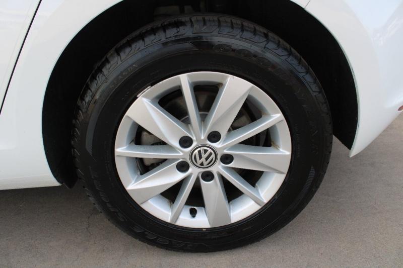 Volkswagen Golf 2015 price $12,995