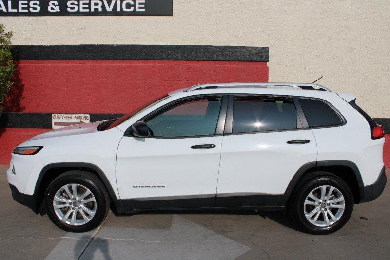 Jeep Cherokee 2015 price $12,495