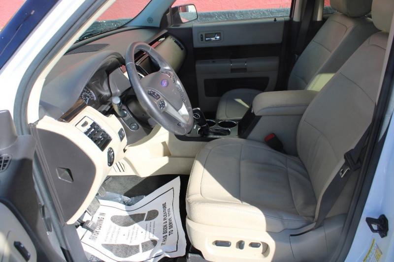 Ford Flex 2015 price $18,995