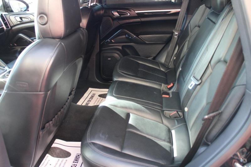 Porsche Cayenne 2013 price $21,995