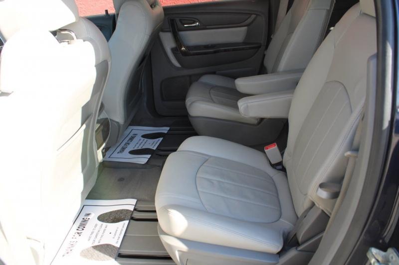 GMC Acadia 2015 price $15,995