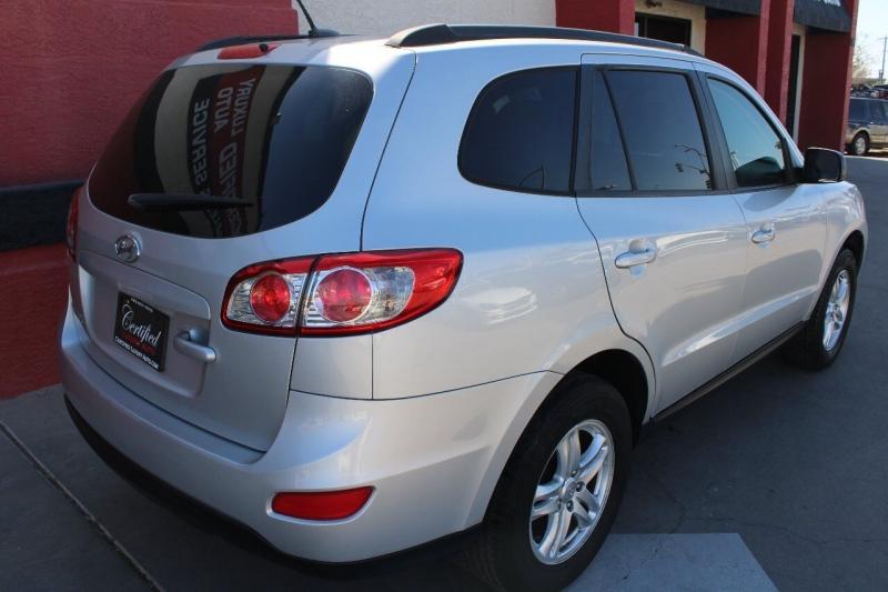 Hyundai Santa Fe 2012 price $10,995