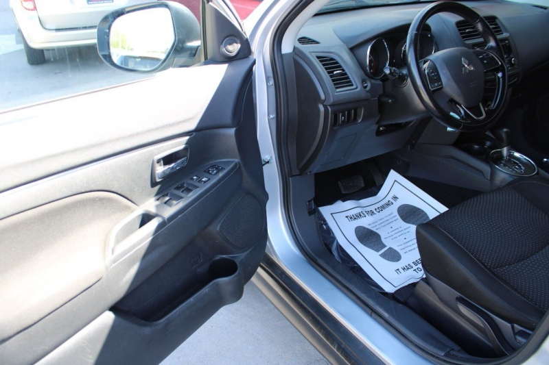 Mitsubishi Outlander Sport 2016 price $14,995