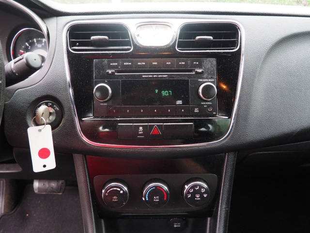 Chrysler 200 2012 price $9,295