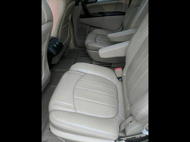 Buick Enclave 2010 price $10,895