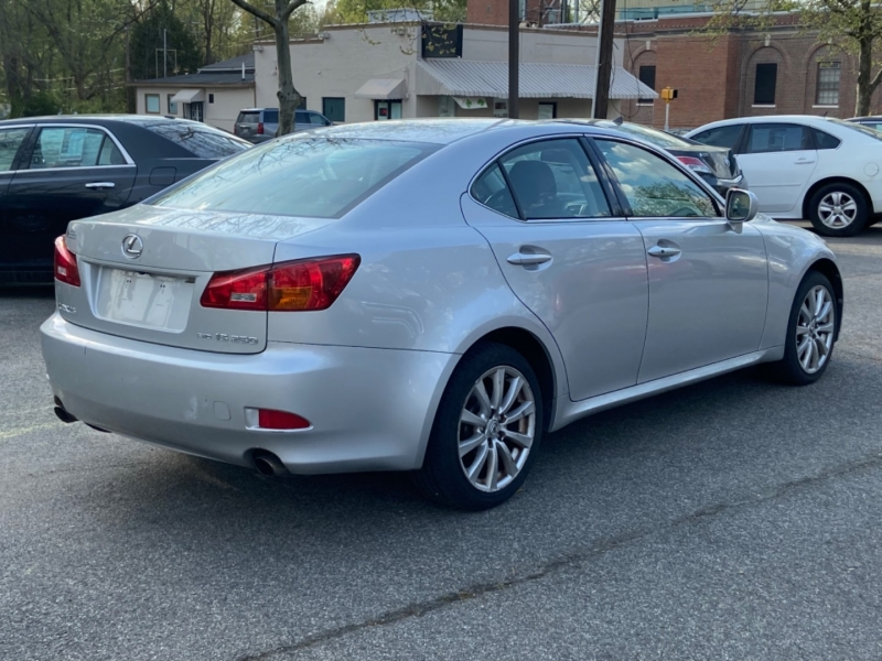 Lexus IS 250 2006 price $10,095